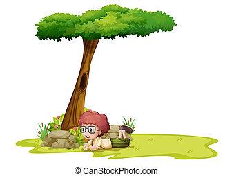 garçon, arbre, jouer, sous