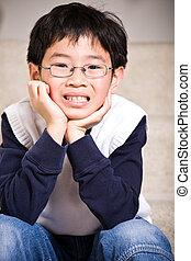 garçon, asiatique, heureux