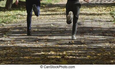 garçon, autour de, jouer, courant, park., girl, enfants, heureux
