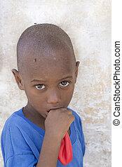 garçon, balloon, tenue, africaine