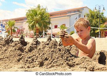 garçon, collines, modèles, sable, mouillé, assied, plage