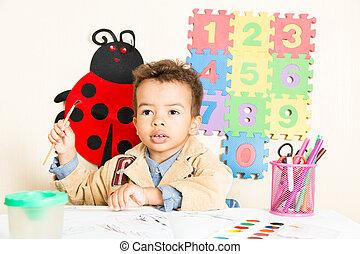 garçon, coloré, crayons, jardin enfants, américain, noir, africaine, table, dessin, préscolaire