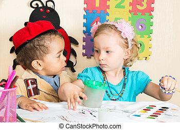 garçon, coloré, crayons, jardin enfants, américain, noir, africaine, table, girl, dessin, préscolaire