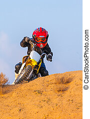 garçon, coureur, motocyclette, désert