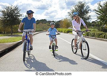 garçon, cyclisme, famille, jeune, fils, parents