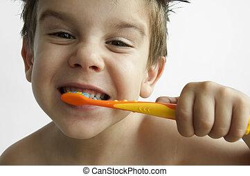 garçon, dents, lavage