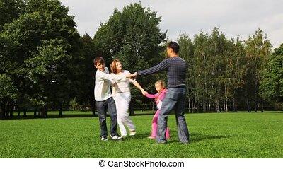 garçon, famille, danse, parc, conduit, champ, girl, rond