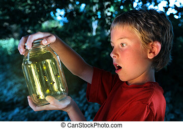 garçon, fireflies, pot