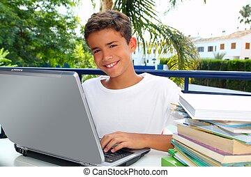 garçon, fonctionnement, ordinateur portable, adolescent, étudiant, heureux