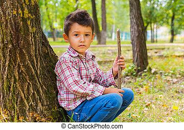 garçon, forêt, portrait