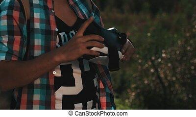 garçon, funny., été, sac à dos, ensoleillé, réalité virtuelle, glasses., mettre, jour