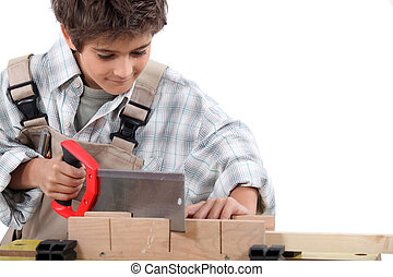 garçon, habillé, charpentier, jeune, bois, scier
