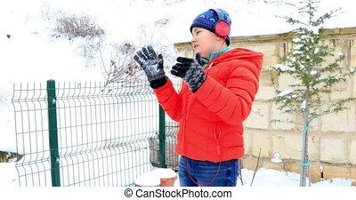 garçon, heureux, vacances hiver