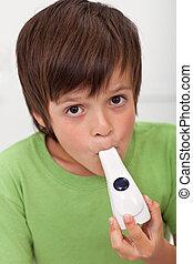 garçon, inhalateur