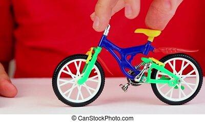 garçon, jeu, jouet, vélo