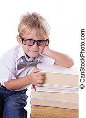 garçon, livres, tas, lunettes