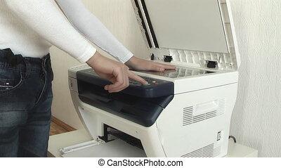 garçon, main, copies, photocopie