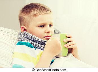 garçon, malade, grippe, maison