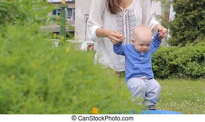 garçon, marche, soutien, parc, bébé, maman