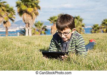 garçon, ordinateur portable