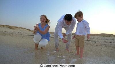 garçon, parents, vacances, mer