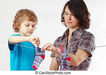 garçon, peu, elle, raccrocher, aides, mère, ton, vêtements