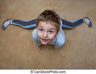 garçon, peu, gymnastique
