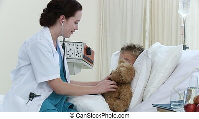 garçon, peu, récupération, docteur, hôpital, conversation, femme, jouer