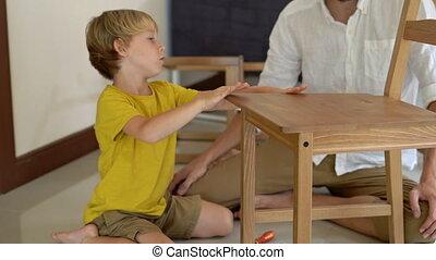garçon, peu, sien, bois, parts., père, fils, réunir, chair., petit, meubles, aides
