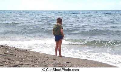 garçon, peu, sien, wets, pieds, mer