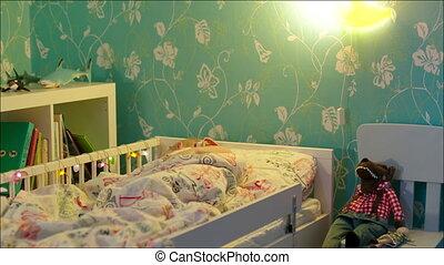 garçon, peu, tourner, dormir, lampe, chevet, fermé