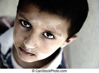 garçon, peu, yeux, triste, portrait, pauvreté