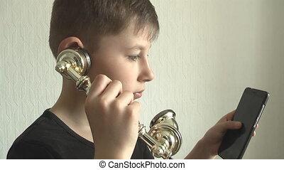 garçon, retro, téléphone