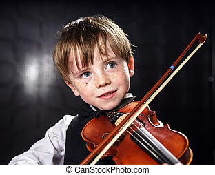 garçon, rouge-cheveux, violin., jouer, couvert taches ...