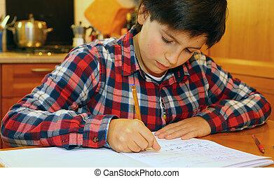 garçon, sien, écrit, jeune, cahier, 2, maison