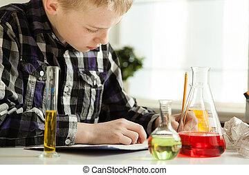 garçon, sien, appliqué, science, jeune, devoirs