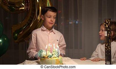 garçon, sien, frère, anniversaire, félicite
