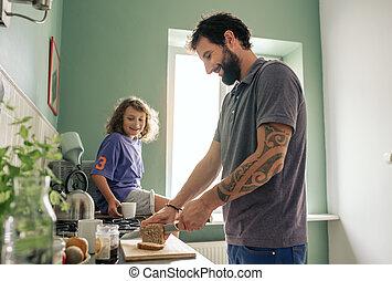 garçon, sien, regarder, faire, père, déjeuner, sourire, leur, cuisine