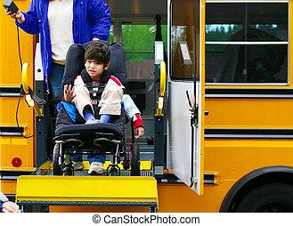 garçon, sien, vieux, autobus, fauteuil roulant, handicapé, ascenseur, cinq, année, utilisation
