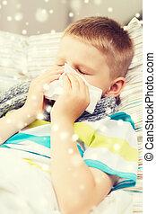 garçon, souffler, malade, tissu, nez, maison