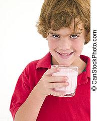 garçon, sourire, lait, jeune, verre