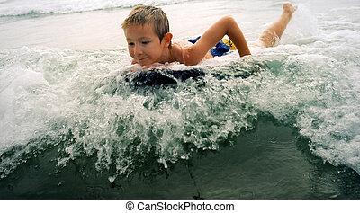garçon, surfer