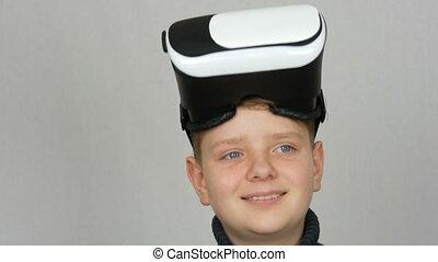garçon, tête, sien, ou, réalité virtuelle, vr, studio, adolescent, fond, amusement, blanc, avoir, lunettes