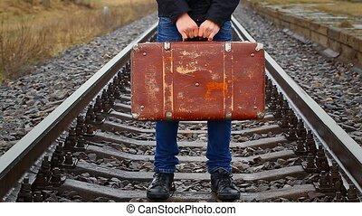 garçon, tenue, ferroviaire, valise