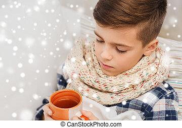 garçon, thé, malade, grippe, haut fin, maison, boire