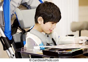 garçon, vieux, étudier, fauteuil roulant, quatre, handicapé, année, lecture, ou