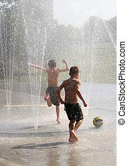 garçons, dans, fontaine