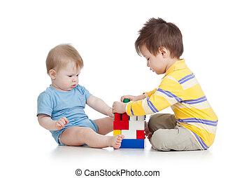 garçons, enfants jouer, ensemble, jouets