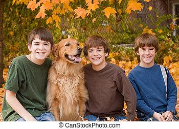 garçons, feuilles, automne