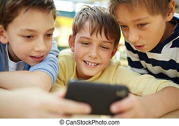garçons, smartphone